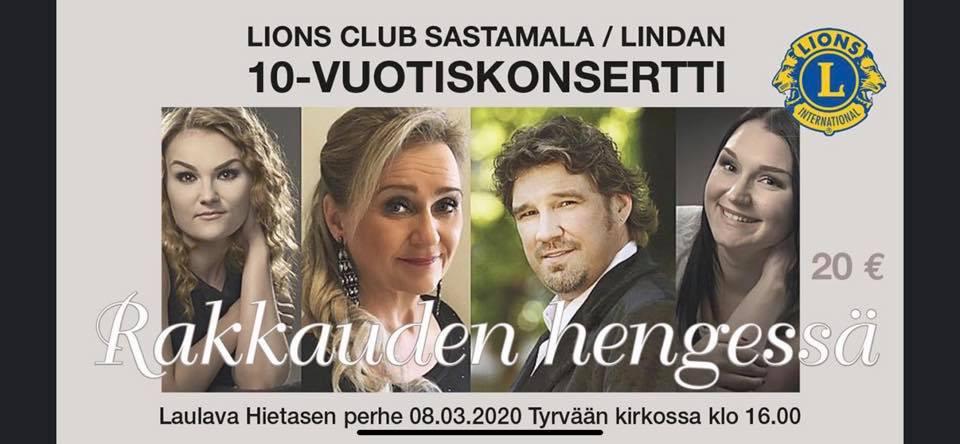 Laulava Hietasen perhe 10-vuotiskonsertissa